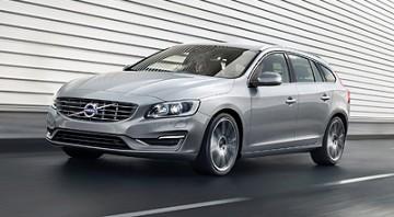 Capitol_Motors_2015_Volvo_V60_Silver_3Q_400x220px
