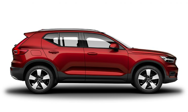 Side photo of the Volvo XC40 Momentum in Fusion Red