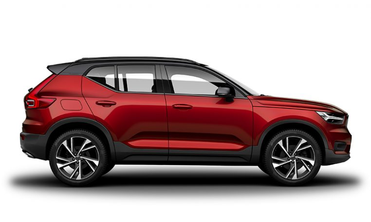Side photo of the Volvo XC40 R-Design in Fusion Red with Black Stone Roof