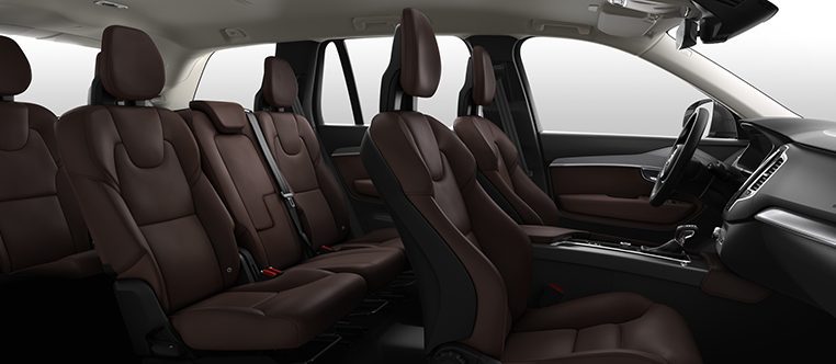 Interior shot of the Volvo XC90 in Momentum