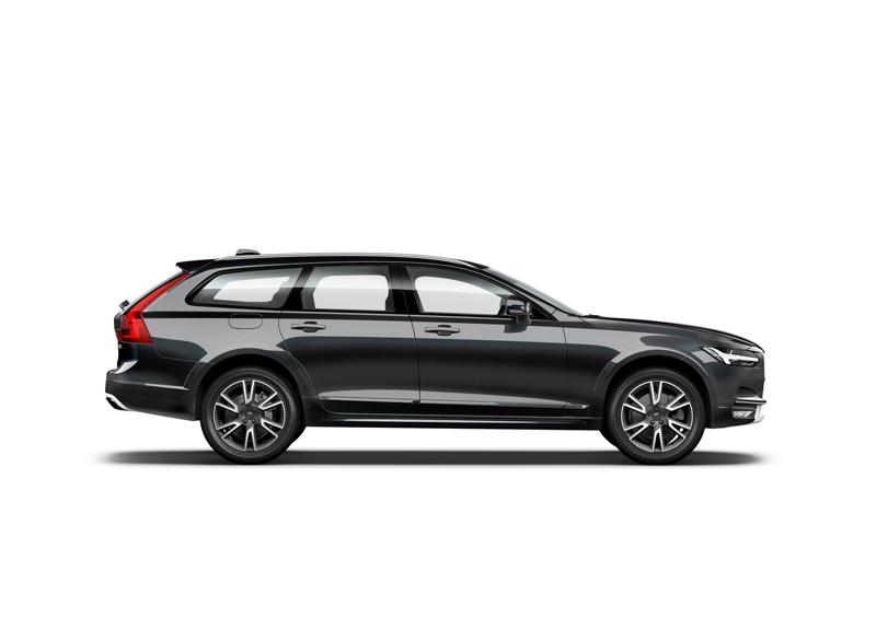 Capitol_Motors_Volvo_V90_CC_717_OnyxBlack_full_Luxury_Pack_800x566