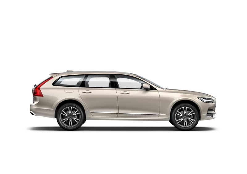 Capitol_Motors_Volvo_V90_CC_719_LuminousSand_Luxury_Pack_800x566