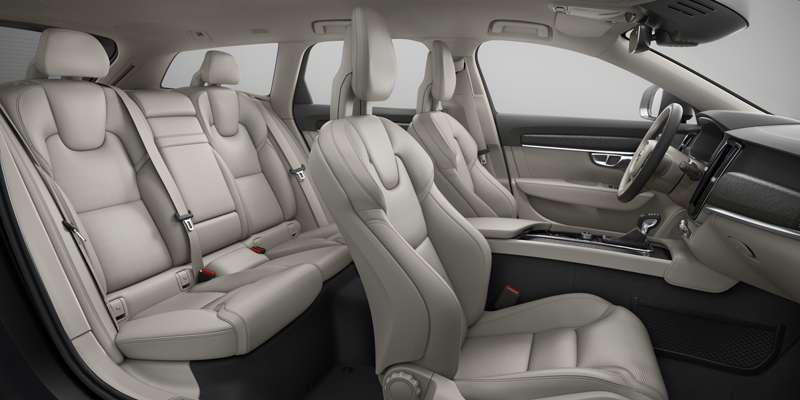 Capitol_Motors_Volvo_V90_CC_UC00_Blond-Charcoal_Perforated_Leather_Nappa_800x400