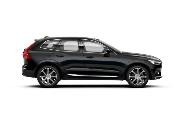 Side photo of the Volvo XC60 Inscription in Onyx Black